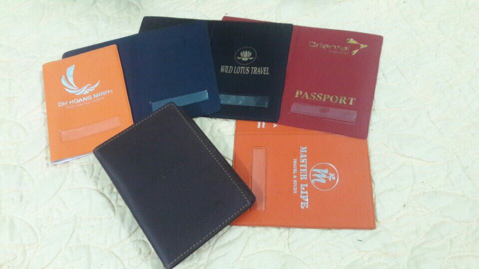 In vỏ hộ chiếu